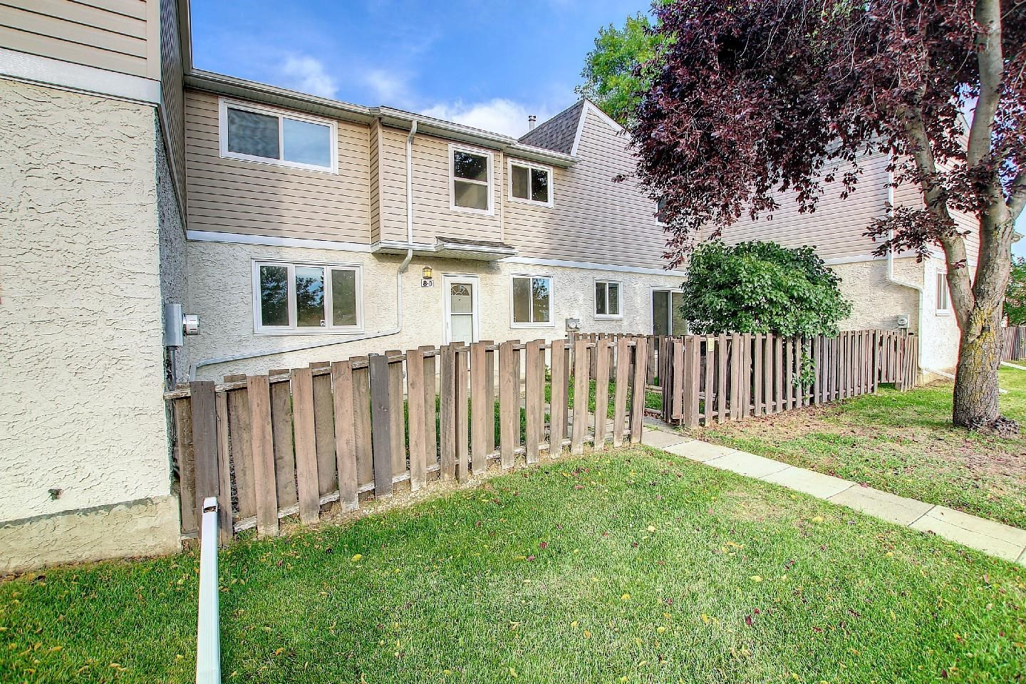 Photo of 8D Clareview Village NW